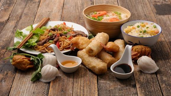 différents plats asiatiques
